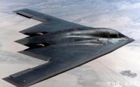 随着科学技术飞速发展,无人机登上战争舞台,空战平台趋于无人化