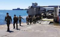 """法国海军三艘""""西北风""""号两栖攻击舰全面启动 投入""""战疫""""行动"""