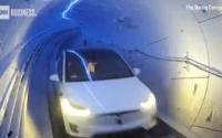 埃隆•马斯克公司首次展示地下隧道平行交通试验里程碑式成果